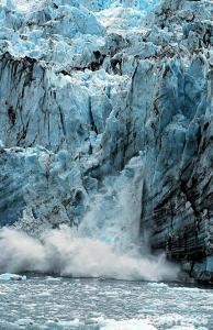 Падающий ледник
